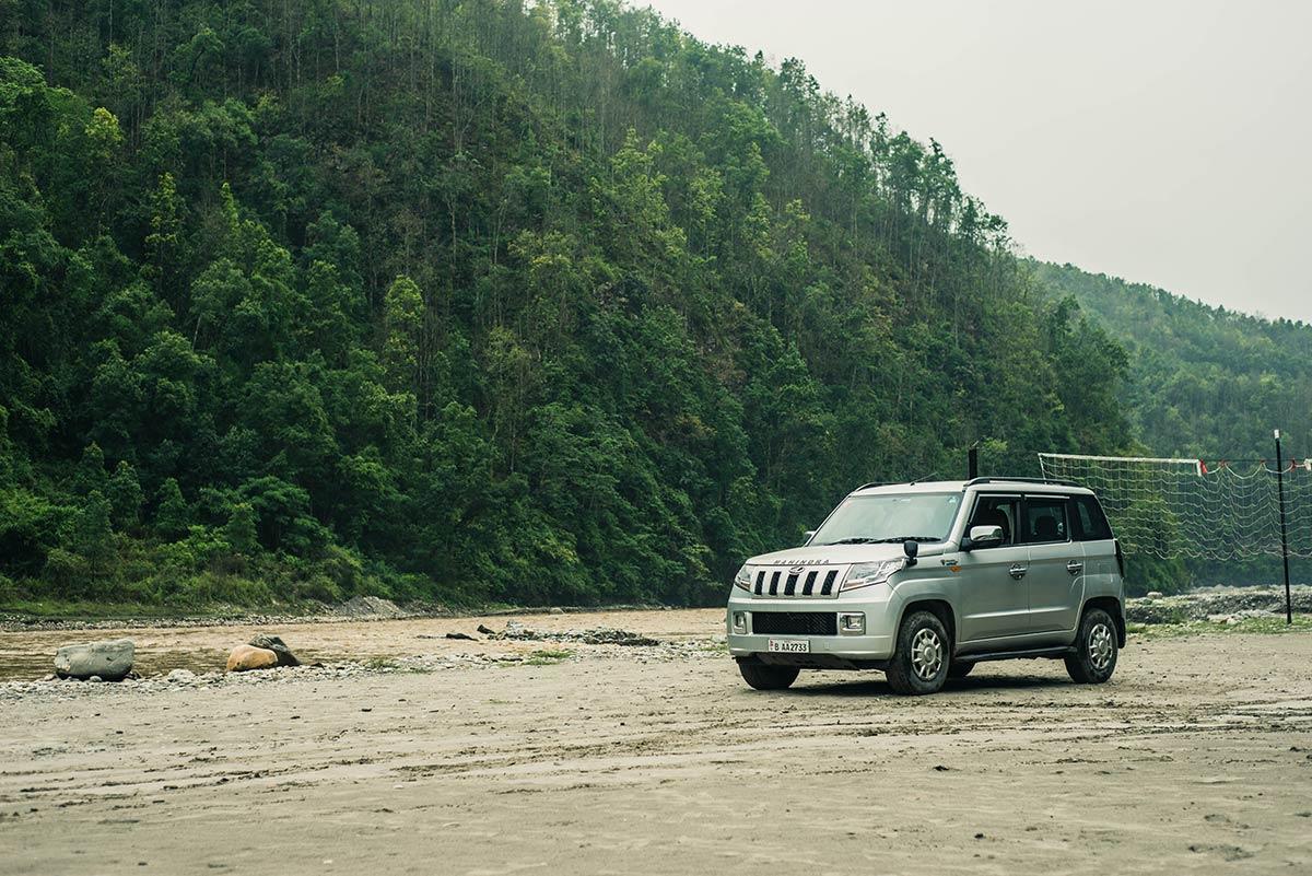 Mahindra organizes adventurous outing program for TUV 300 owners