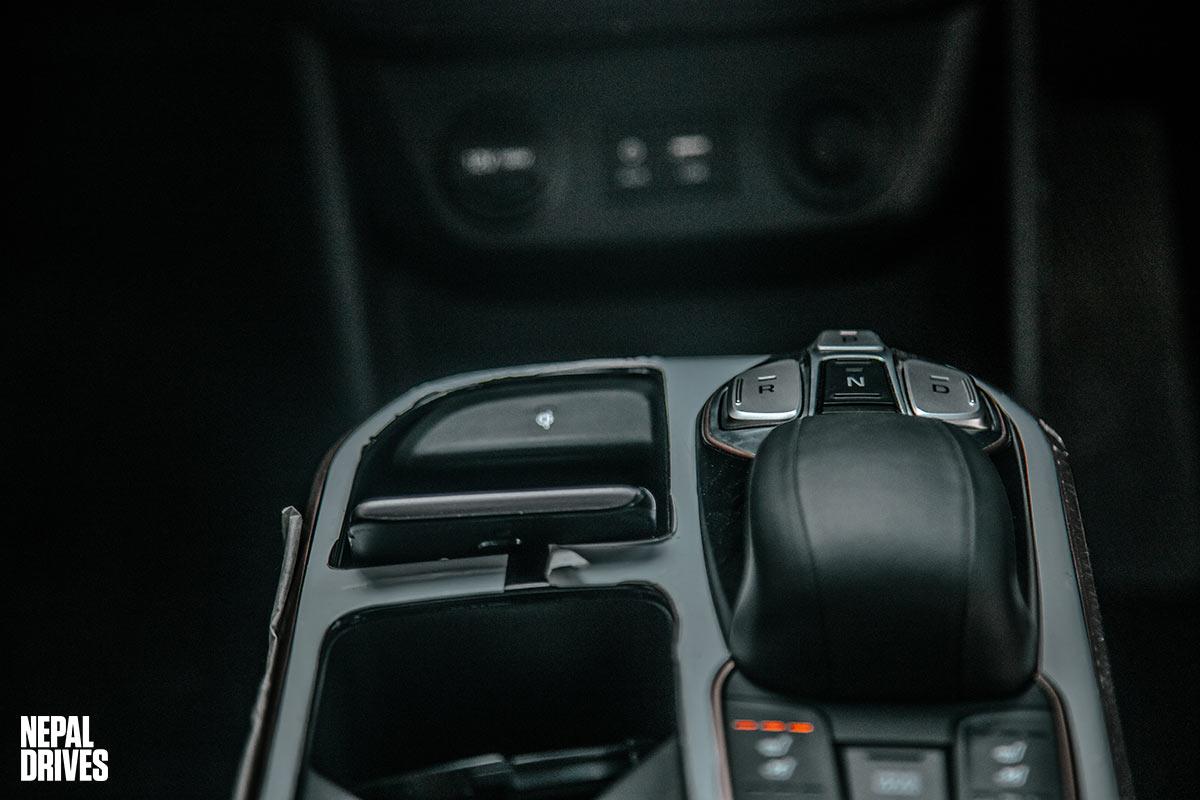 HyundaiIoniqNepaltestdrivereviewinterior6