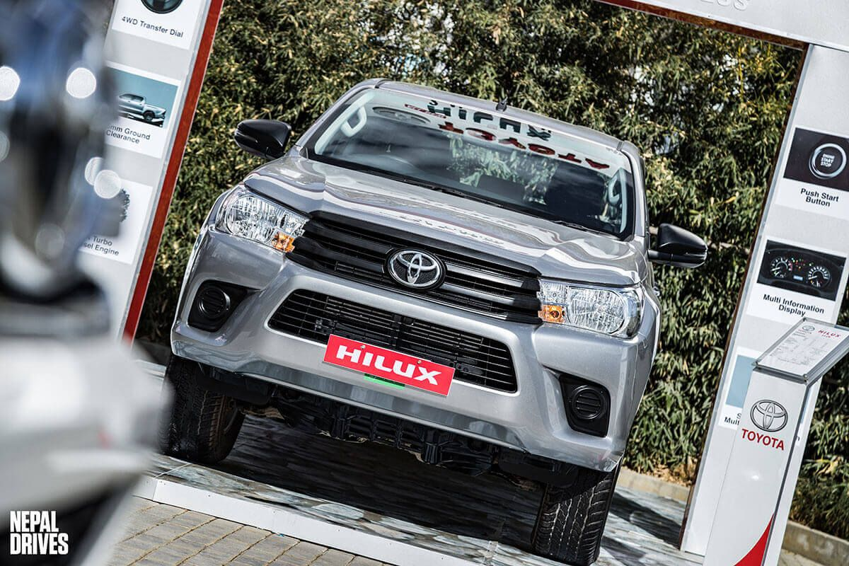 Toyota Hilux 2.4L Edition 15