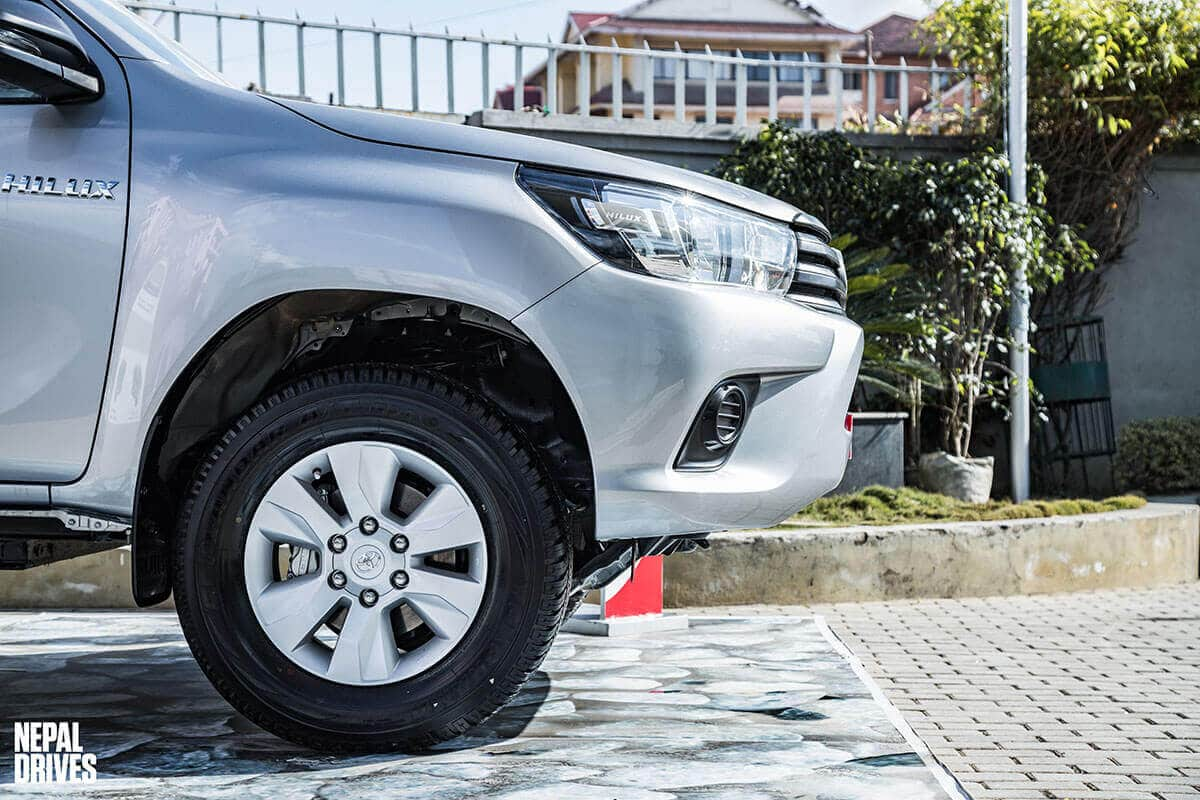 Toyota Hilux 2.4L Edition 6