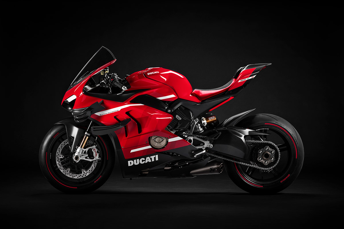 03 Ducati Superleggera V4 UC145950 High