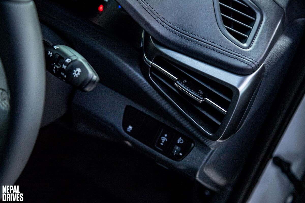 2020 Hyundai Ioniq 11