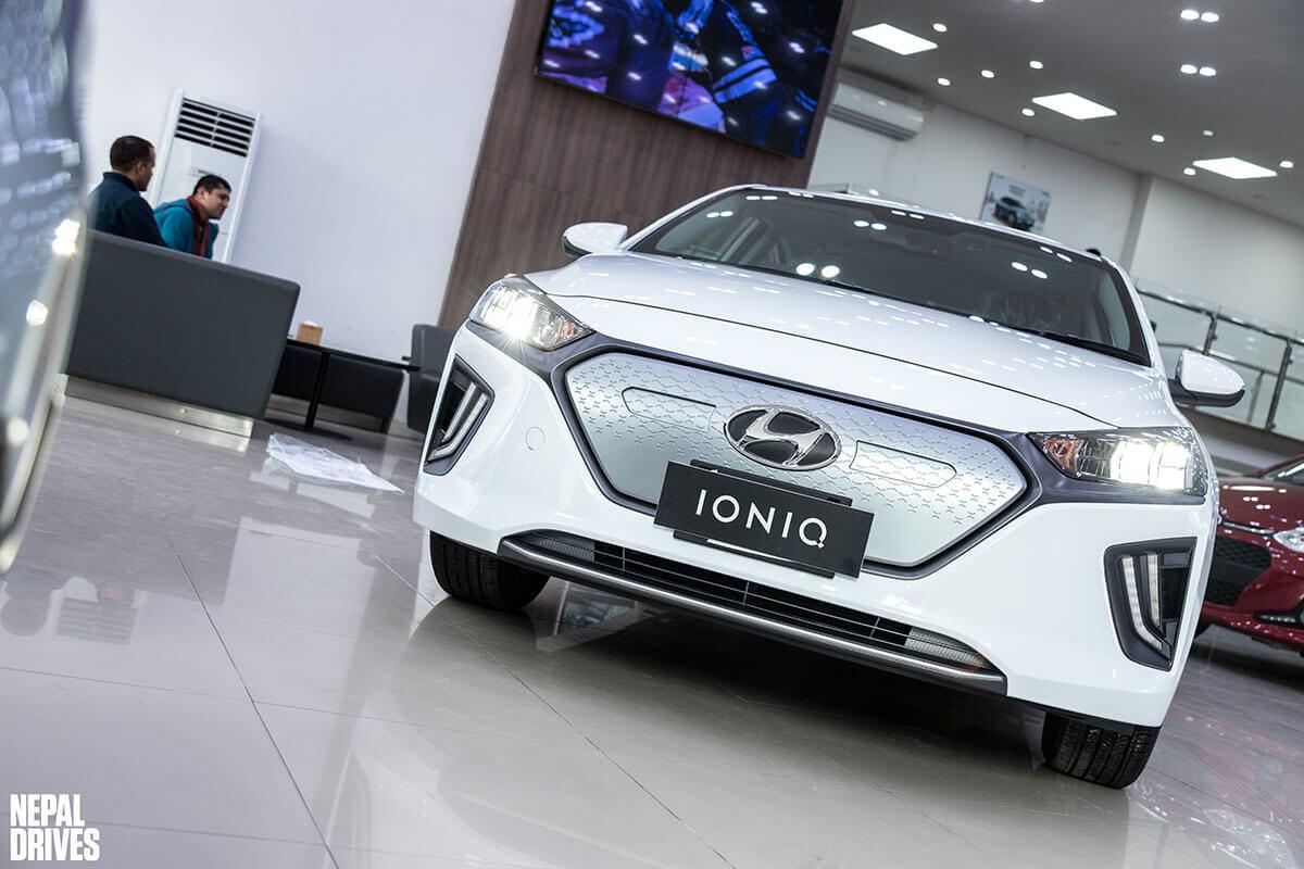 2020 Hyundai Ioniq 13