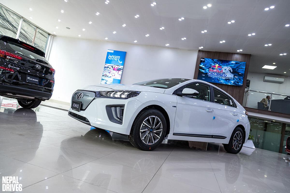 2020 Hyundai Ioniq 14