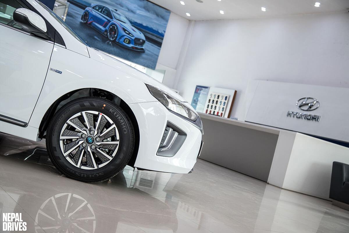 2020 Hyundai Ioniq 18