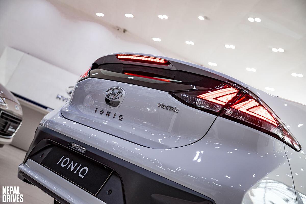 2020 Hyundai Ioniq 21