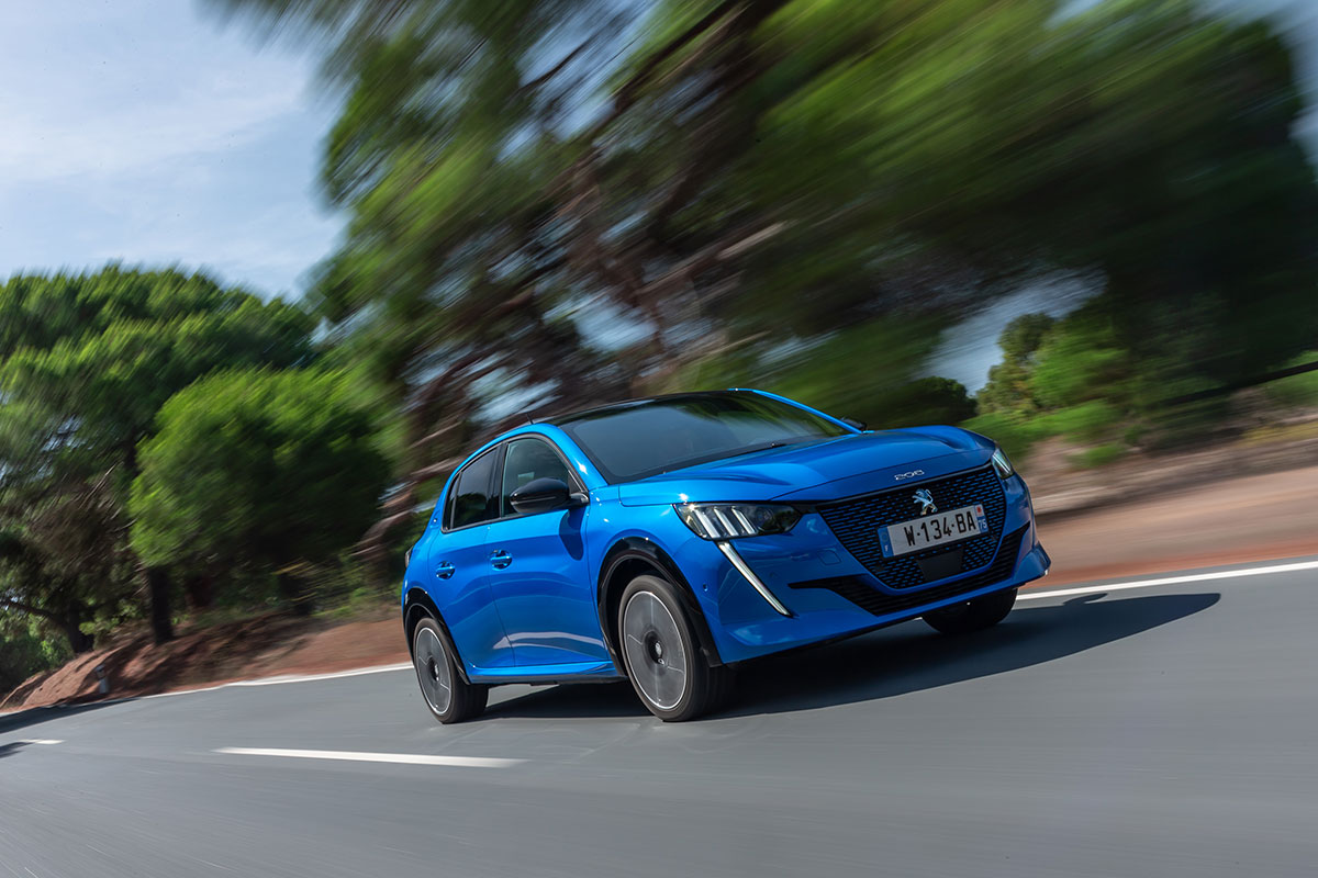 New Peugeot 208 Wins Car of The Year 1