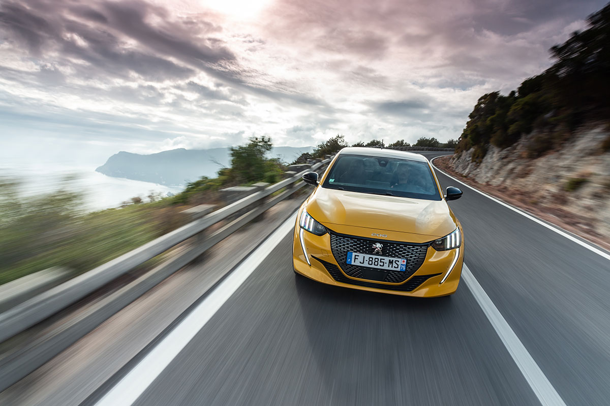 New Peugeot 208 Wins Car of The Year 3