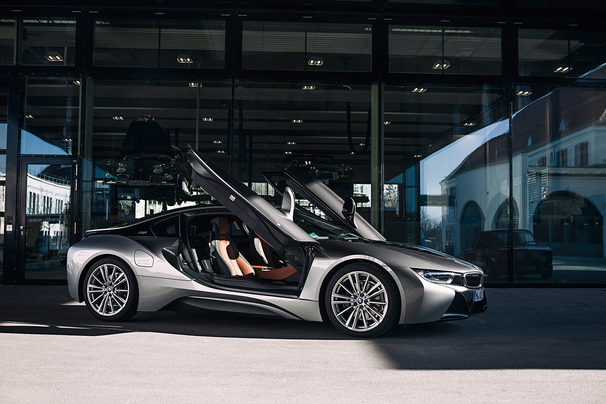 P90385443 highRes the bmw i8 from visi