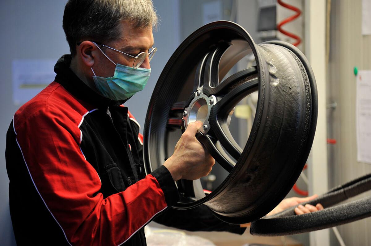 Ducati Superleggera V4 Production Starts Image5