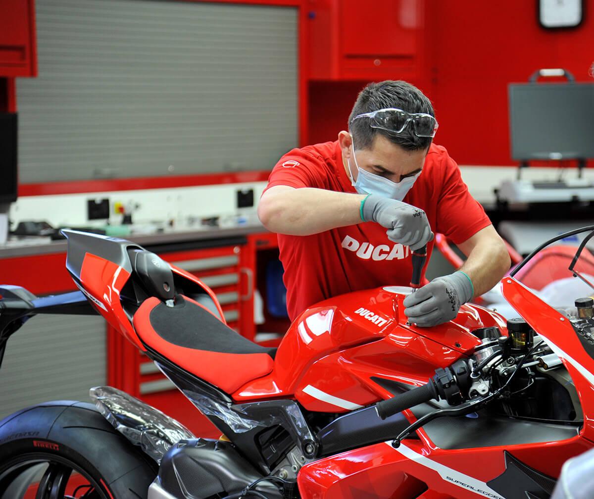 Ducati Superleggera V4 Production Starts Image7