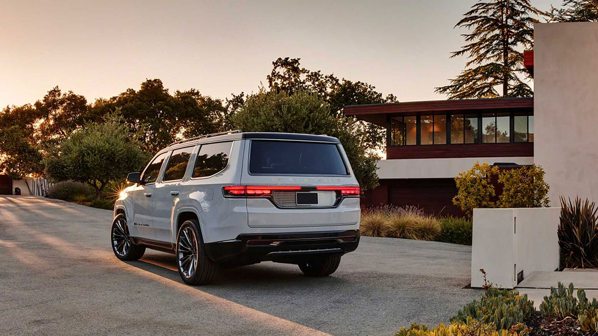 Jeep Grand Wagoneer Concept 6
