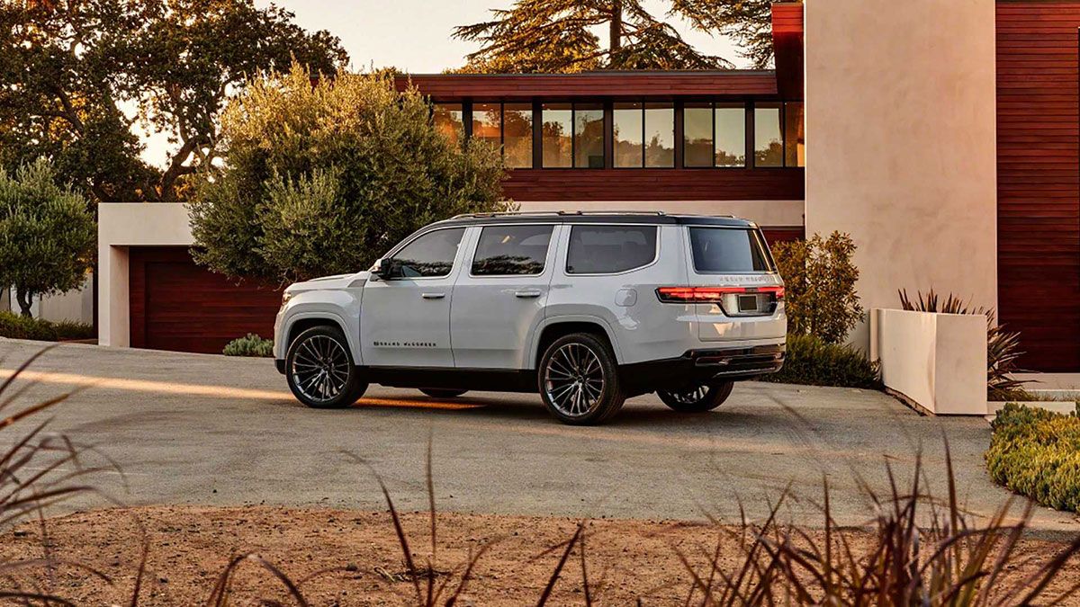 Jeep Grand Wagoneer Concept 7